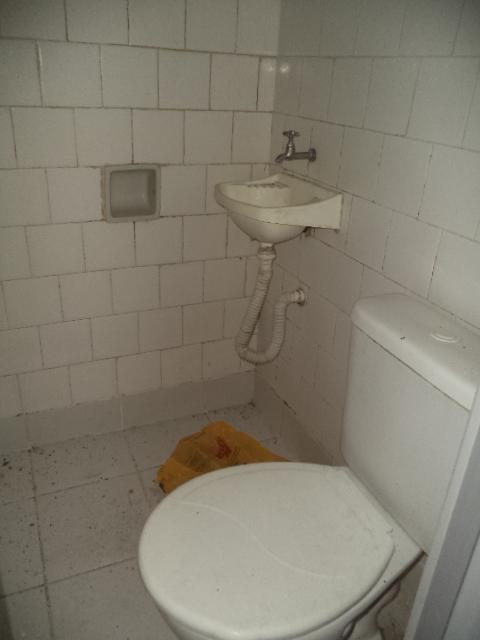 WC SALA 104