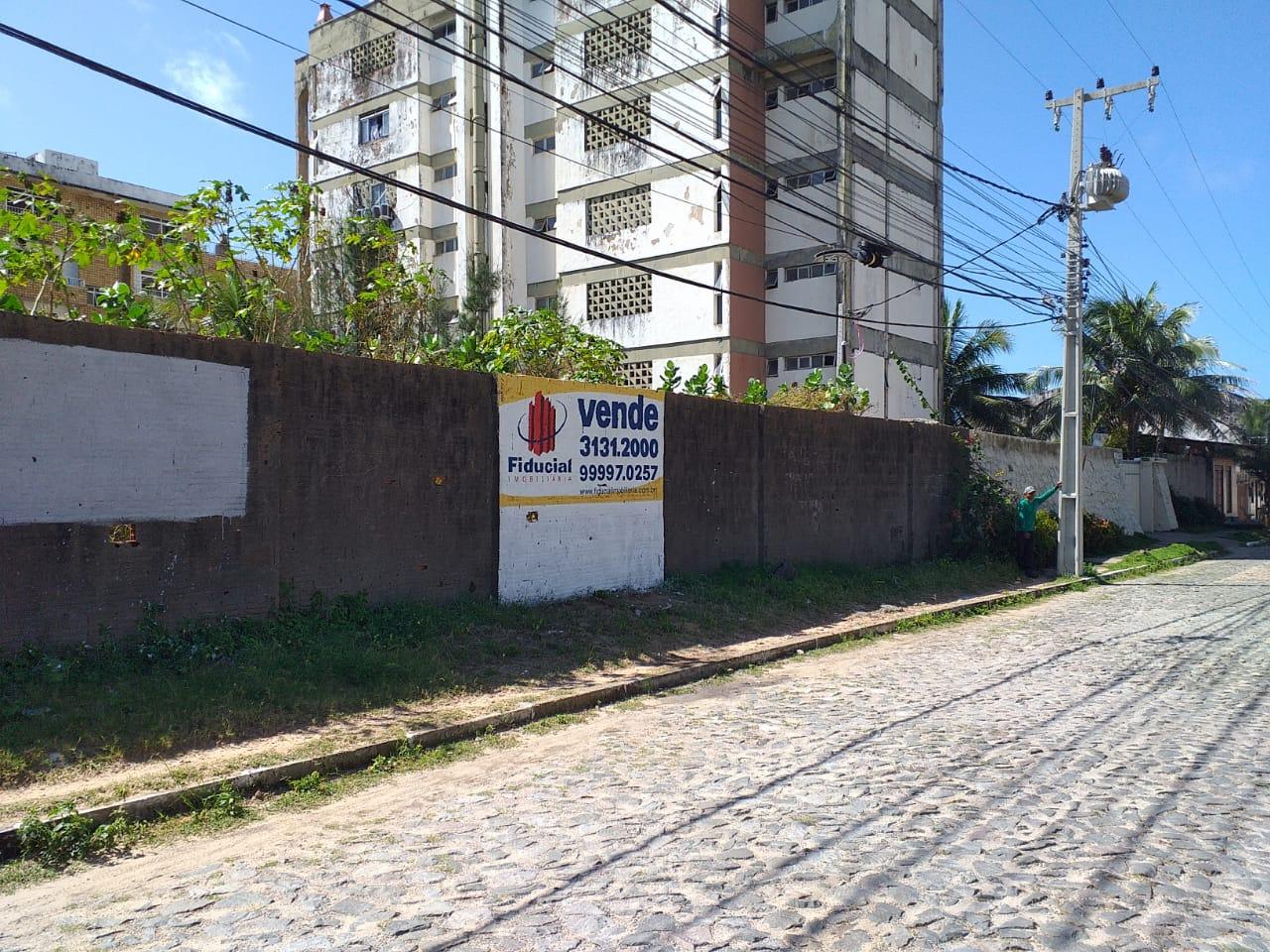FACHADA (ÂNGULO II)