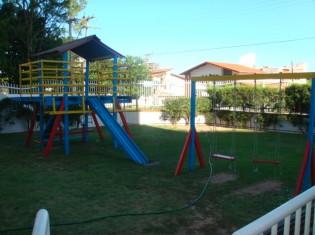 PLAYGROUND (ANGULO II)